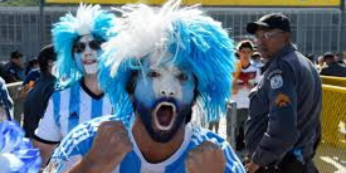 """""""¿Qué me apuras, vas para Rusia?"""": la pelea en Twitter por broma futbolera de turista argentino en Chile"""