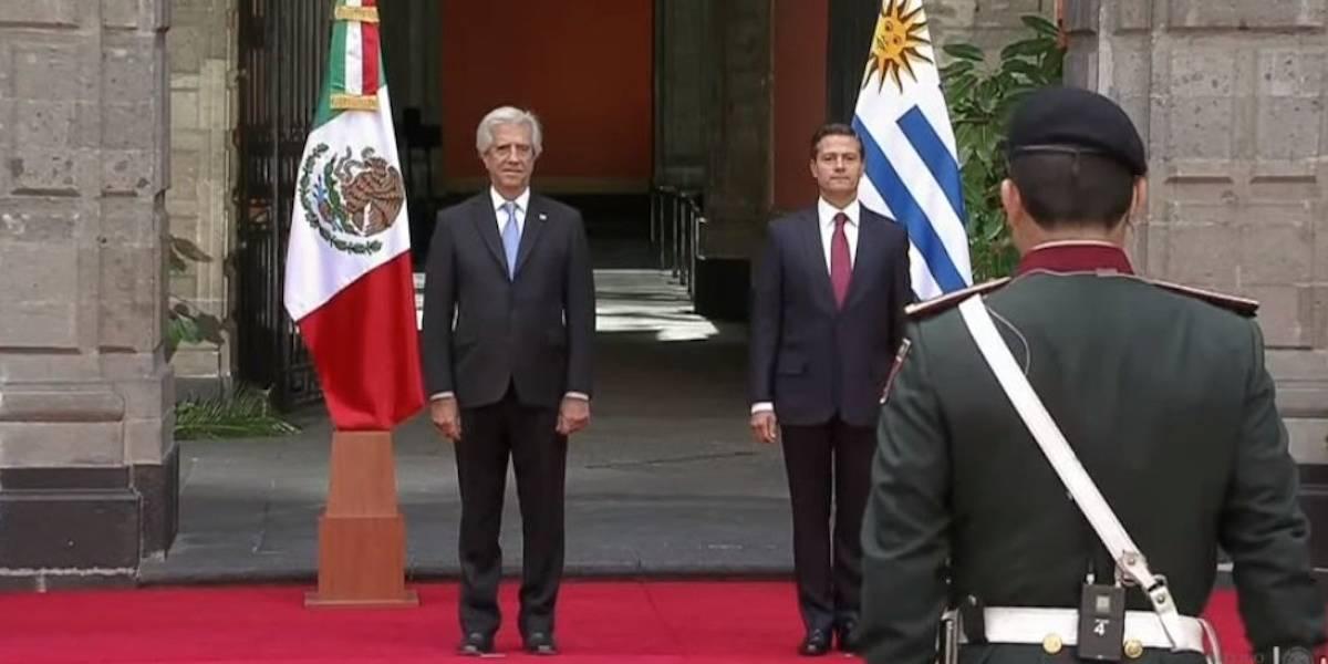 Peña Nieto recibe al presidente de Uruguay en Palacio Nacional