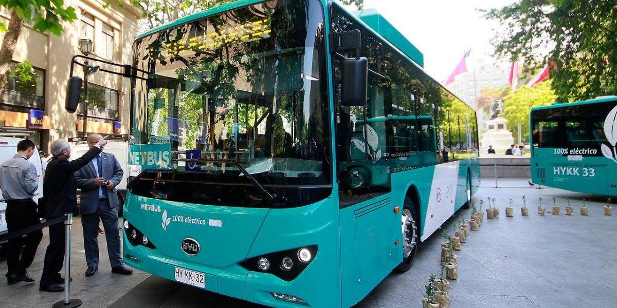 """Análisis tipo """"CSI"""" al Transantiago eléctrico: estas son las claves de los nuevos buses"""