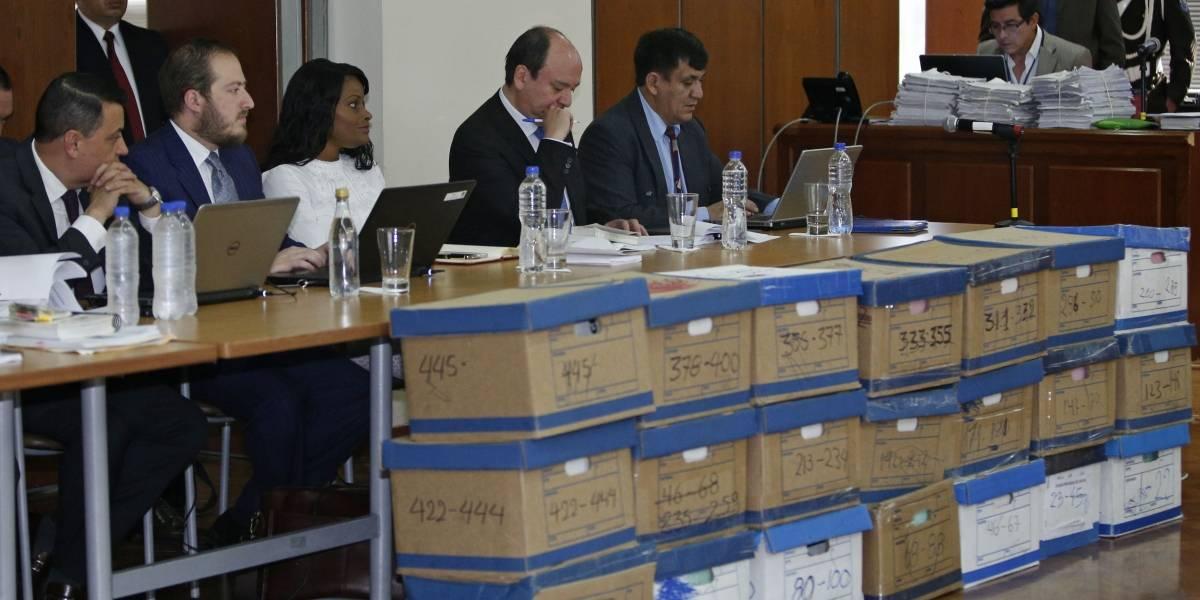 Juez resuelve hoy si llama a juicio a los 13 acusados en caso Odebrecht
