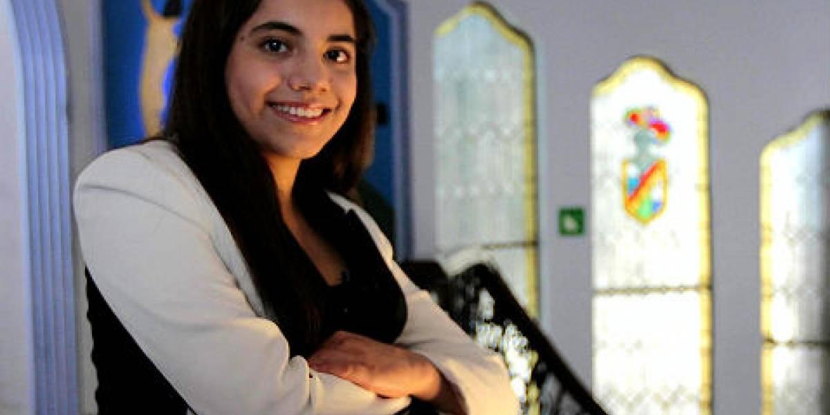 Niña genio mexicana termina maestría a los 16 años