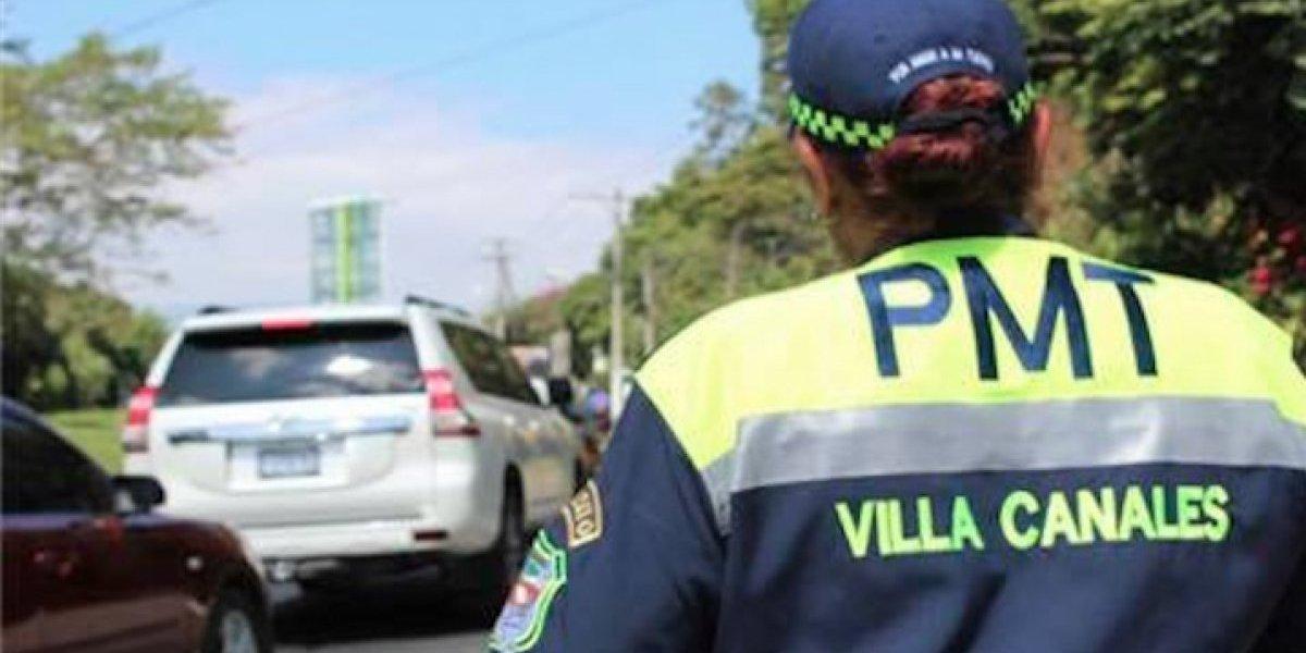 """Agentes de PMT de Villa Canales habrían sido atropellados """"intencionalmente"""""""