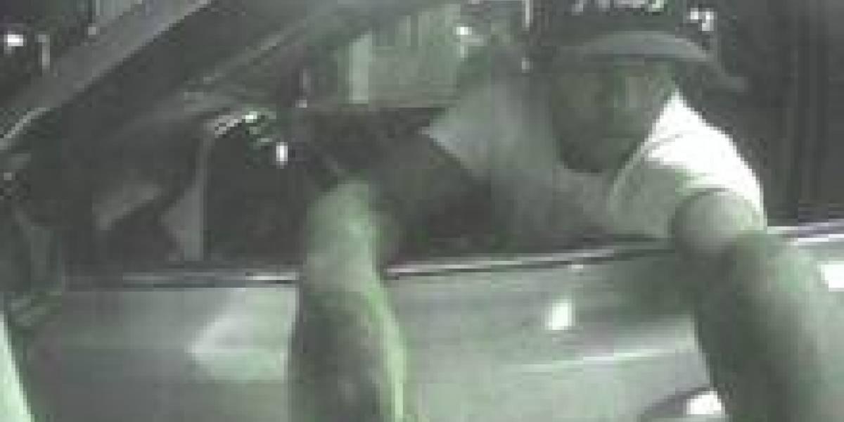 Buscan hombre que cometió robo y secuestro en Santurce