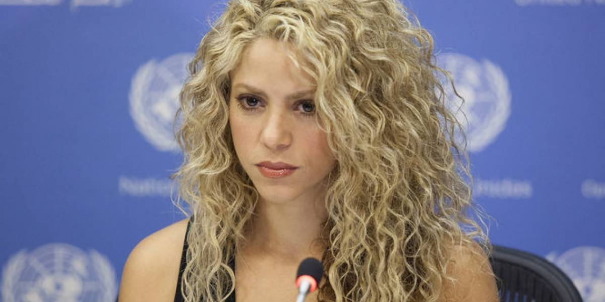 Shakira pospone gira por hemorragia en cuerdas vocales