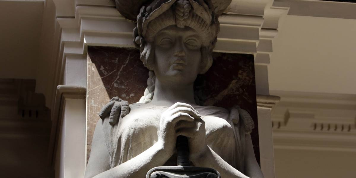"""Condenan a presidio perpetuo a """"la Quintrala de Recreo"""": la mujer que envenenó a su hijo tras perder custodia"""