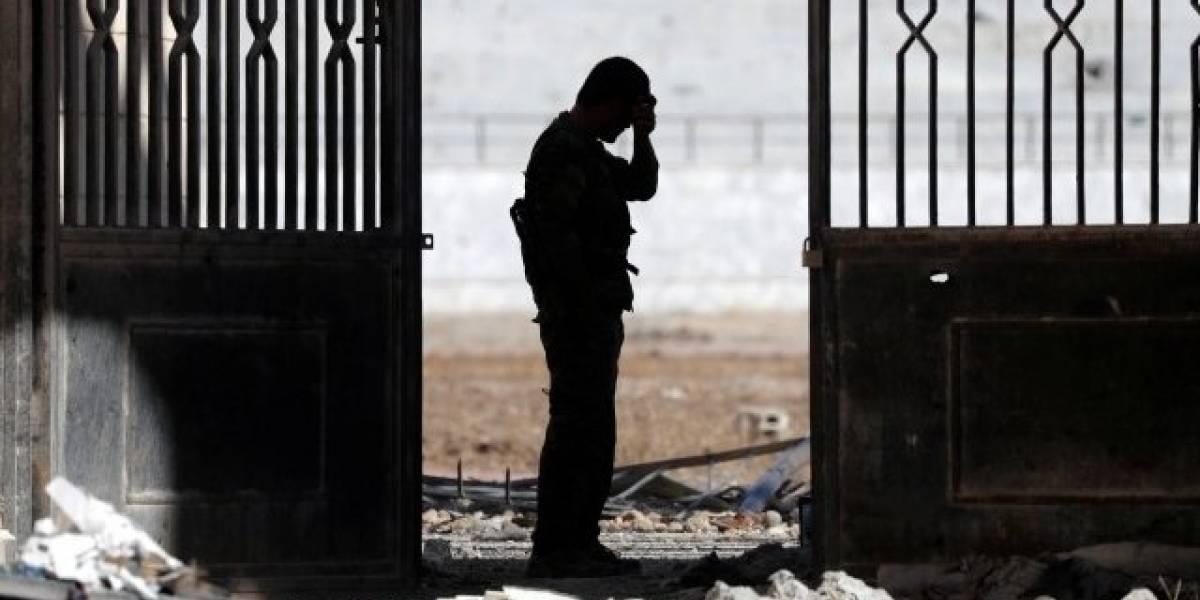 Investigación de la BBC: el pacto secreto que permitió a 250 combatientes de Estado Islámico escapar de Raqqa, su capital en Siria