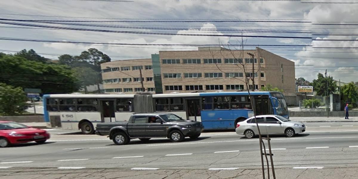 Criança cai de bicicleta e morre após ser atropelada por ônibus em SP