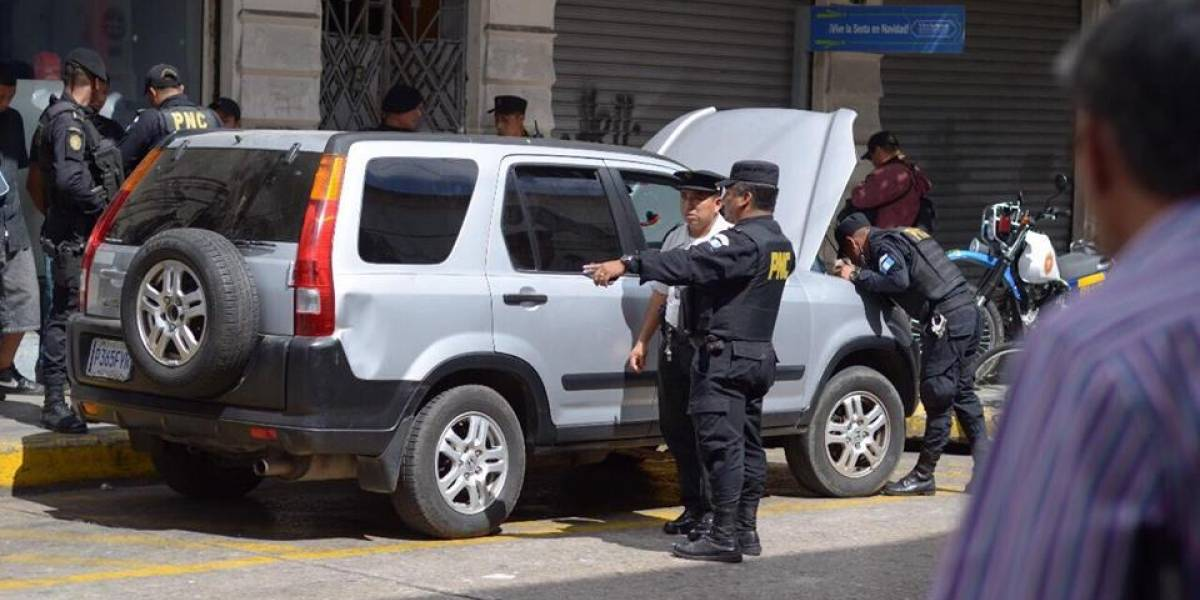 PNC recibe alerta sobre posible ataque debido a un vehículo con fusiles