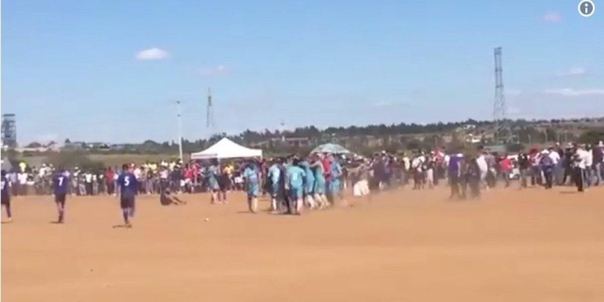 IMPACTANTE VIDEO. Asesinan a aficionado en la cancha cuando el equipo celebraba