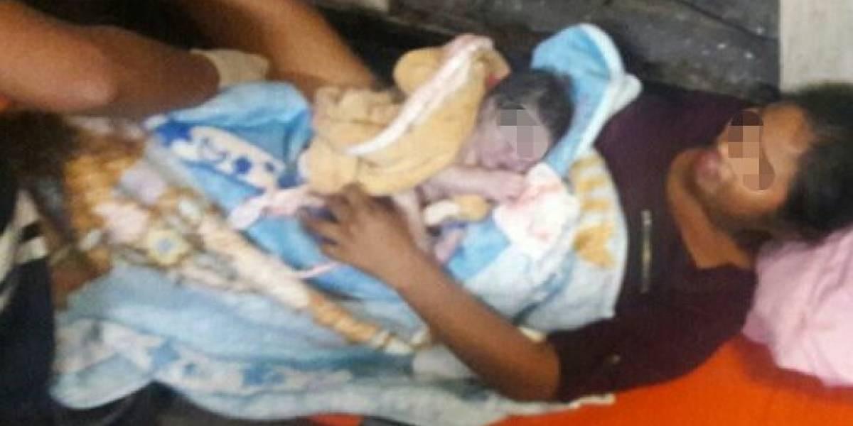 Nace bebé en la estación de Metro Allende