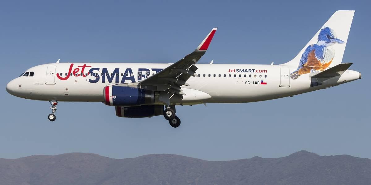 Pasajeros fueron impedidos de volar: Sernac oficia a JetSmart por exigir información sensible cuando pasaje lo compró un tercero
