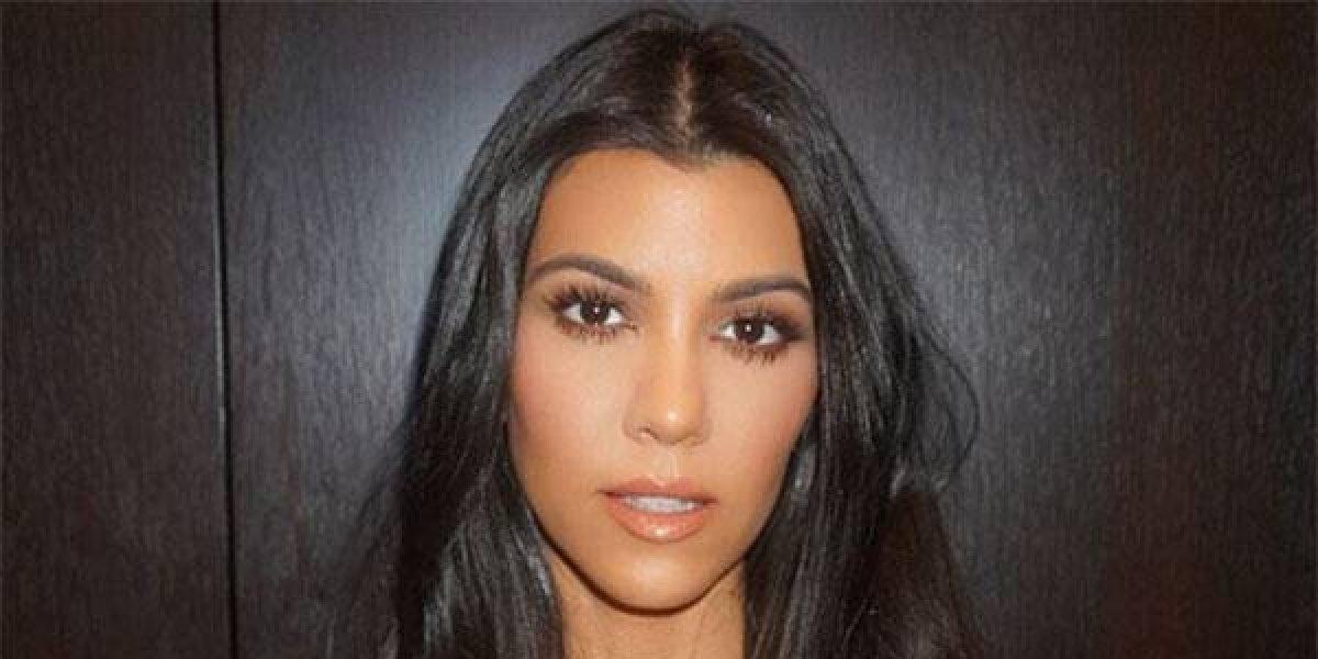 Kourtney Kardashian estrena nuevo look y con una sexy foto lo demostró