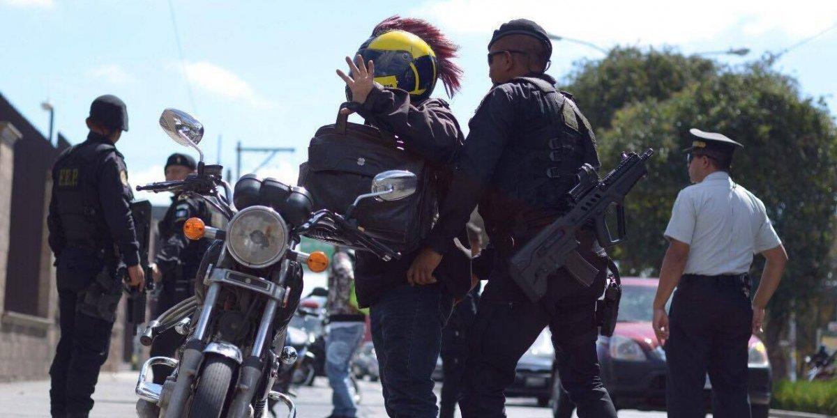 PNC realiza una vez más operativos relámpago para reducir incidencia de robos en semáforos