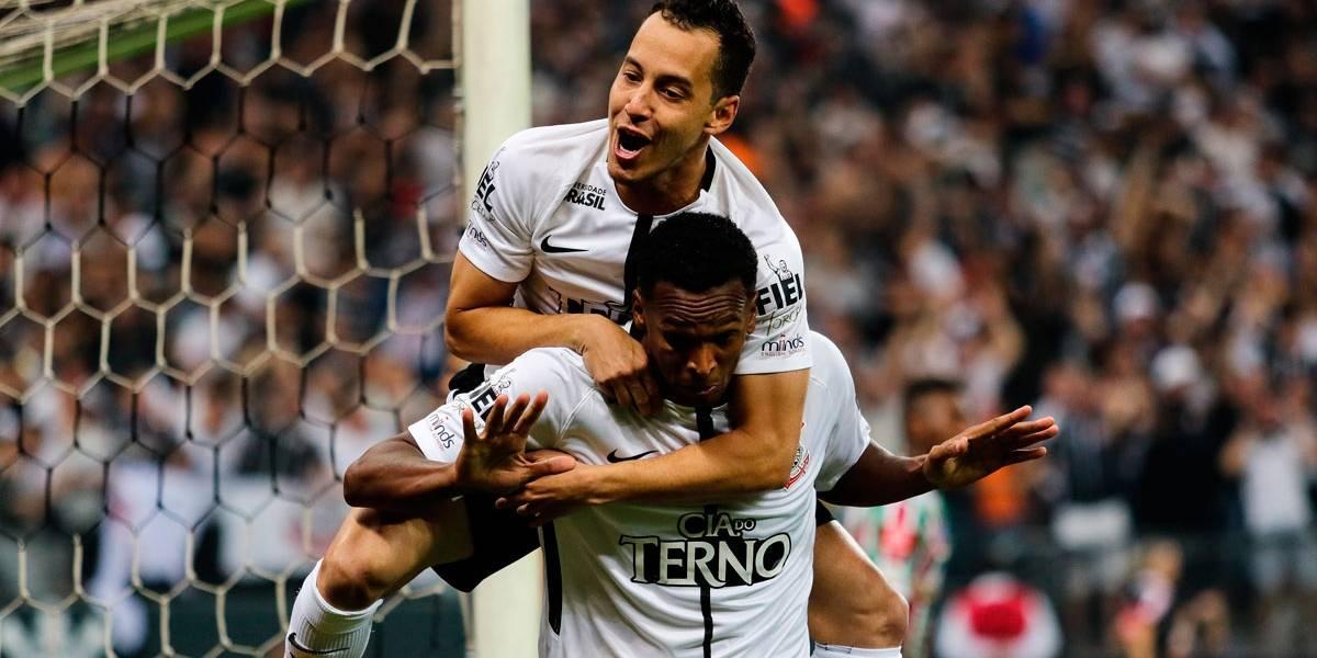 De virada, Corinthians derrota Fluminense e é heptacampeão brasileiro