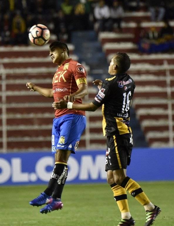 Currimilla portando la jineta de capitán de Unión ante The Strongest por la Libertadores en febrero pasado / Foto: AFP