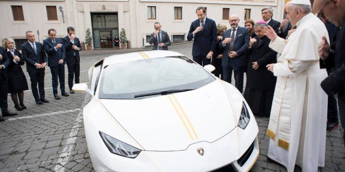 Lamborghini hace un exclusivo Huracan papal, que Francisco rematará
