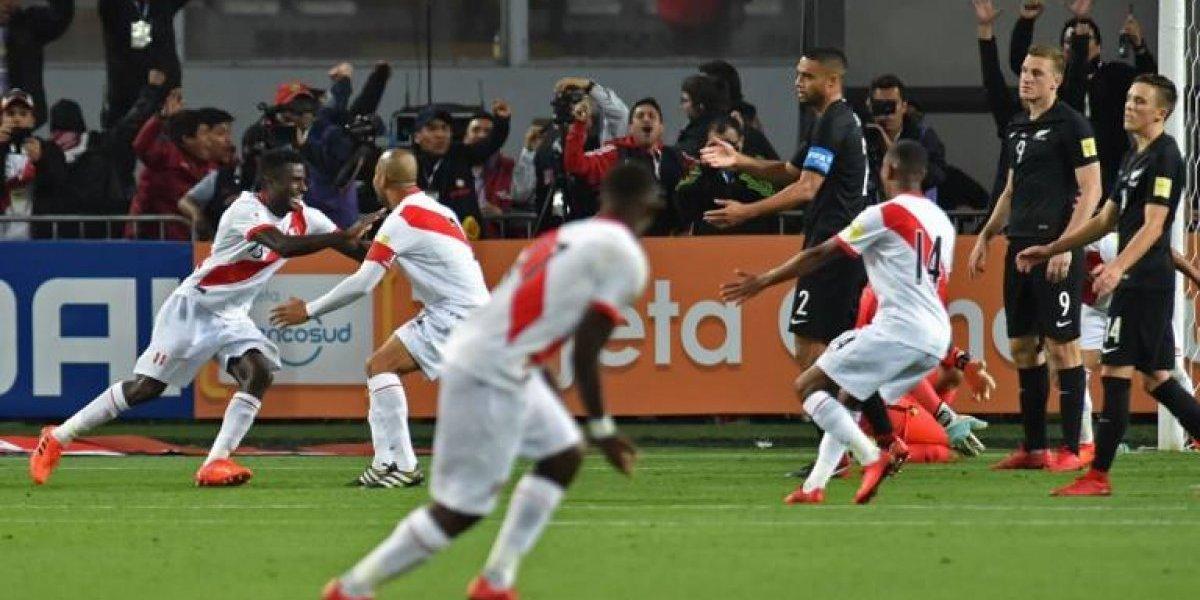 """""""No hay mal que duré 36 años"""": el llorado relato de los periodistas peruanos tras clasificar al Mundial"""