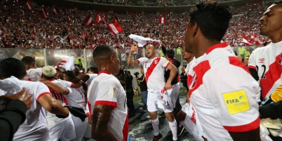 Con provocadora dedicatoria para Chile: La loca celebración peruana tras clasificar al Mundial