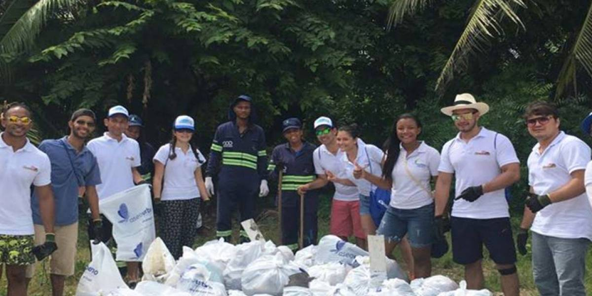 La tropa de colombianos que embellecen las playas del país