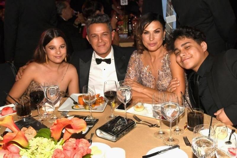 Alejandro Sanz y Familia