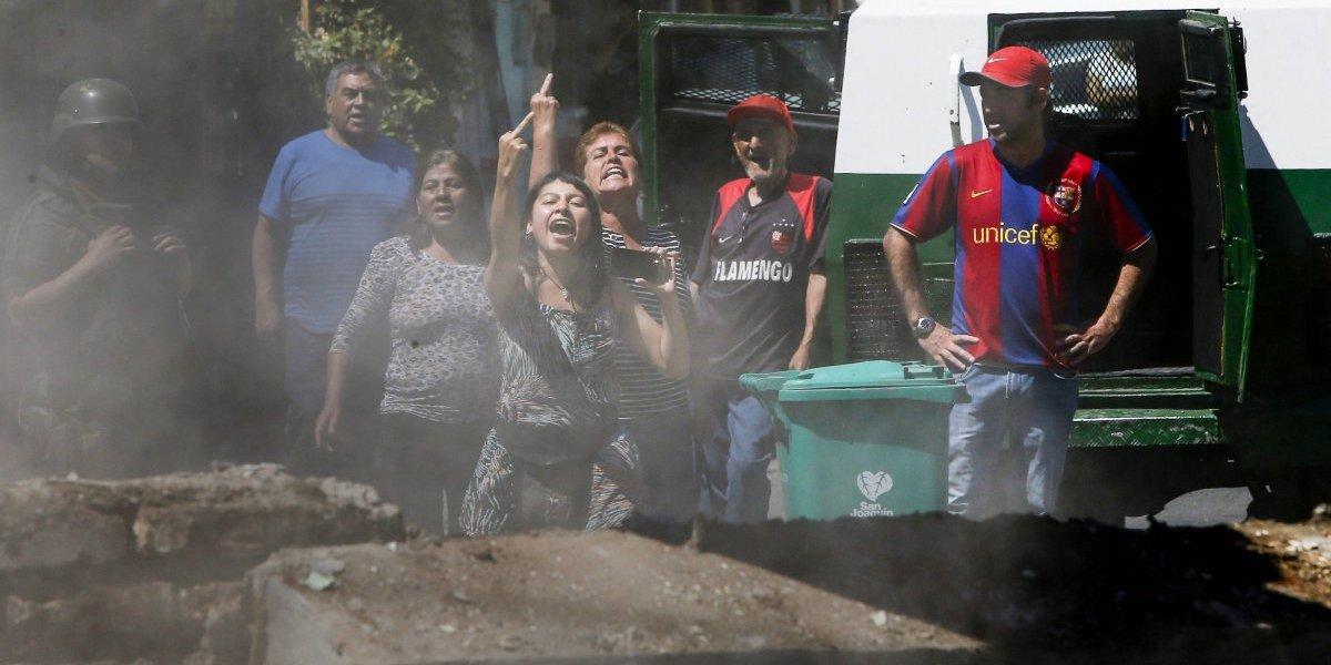Vecinos indignados presenciaron demolición del muro divisorio en La Legua