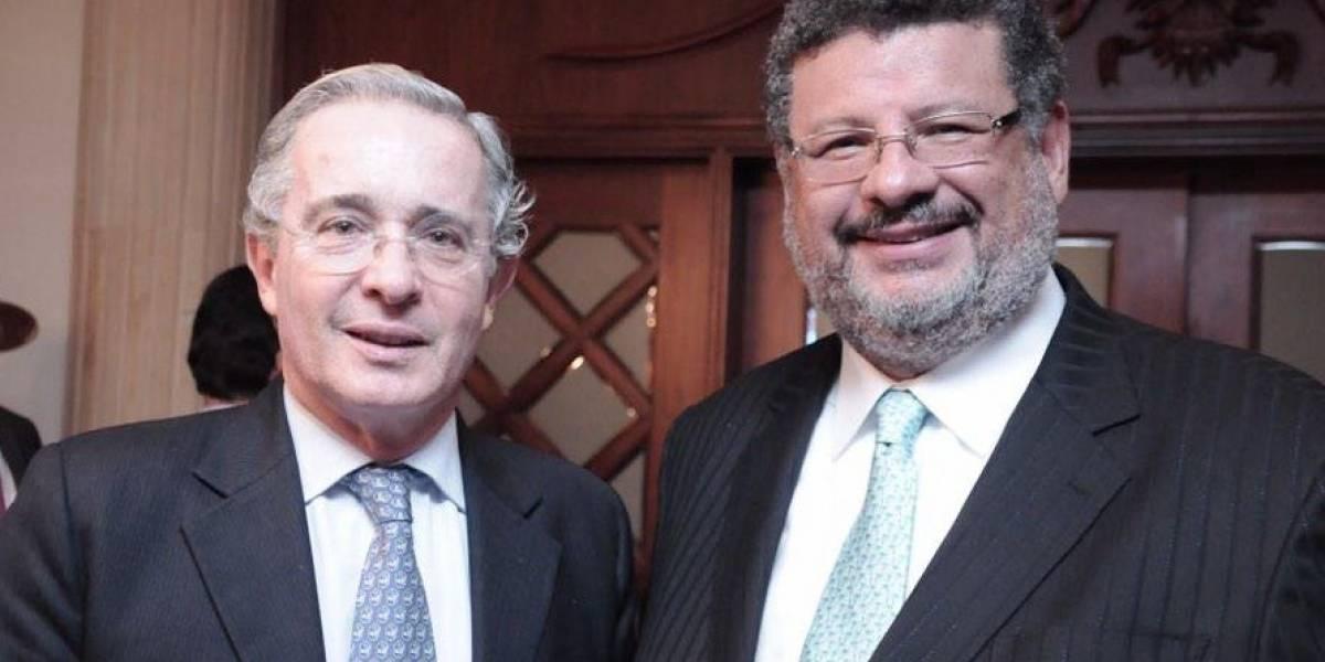 ¿Filtraciones de relaciones entre paramilitares y Santiago Uribe vendrían de los petristas?