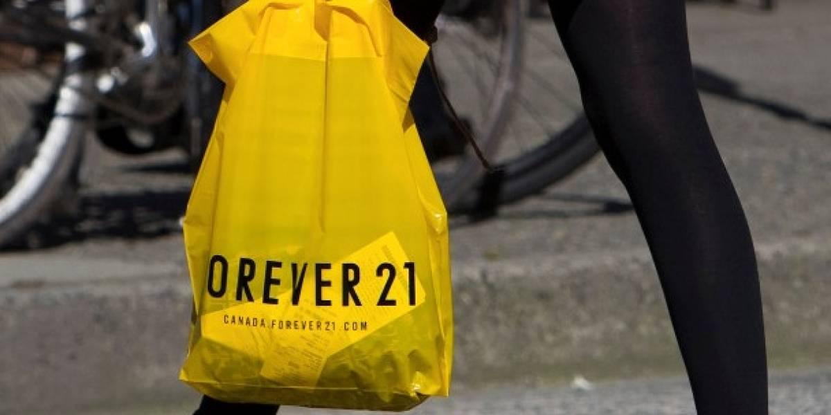 Hackean datos bancarios de clientes de Forever 21