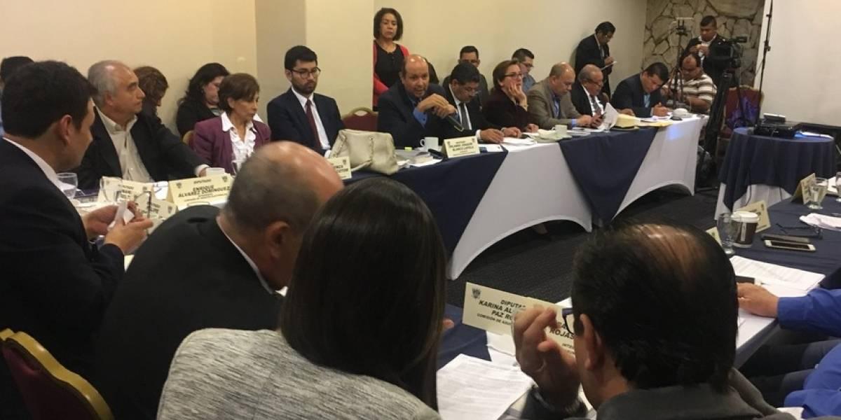 Comisión Electoral avala nuevo método para elegir a diputados