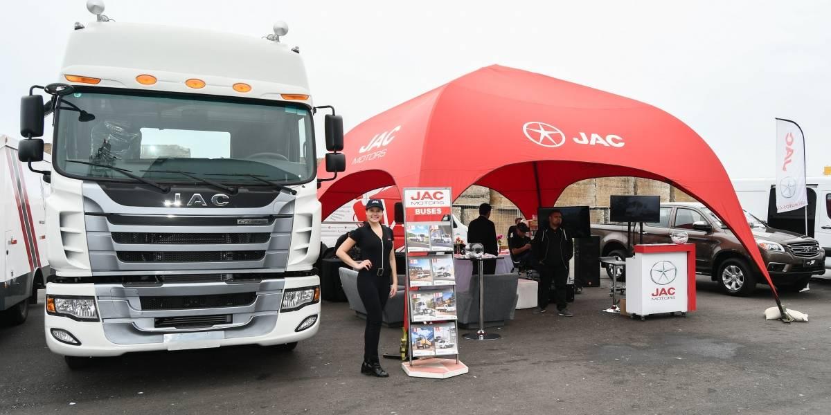La logística portuaria tuvo su cita anual con los camiones JAC como invitados