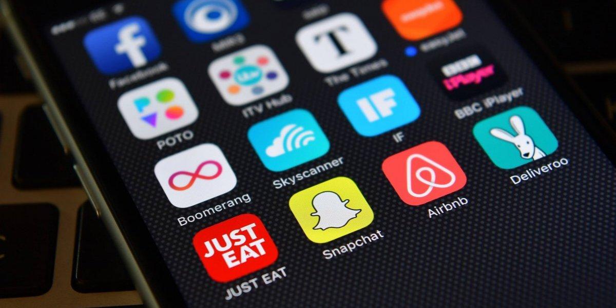 Se roba un celular y publica su 'selfie' en la cuenta de Facebook del dueño al intentar desbloquearlo
