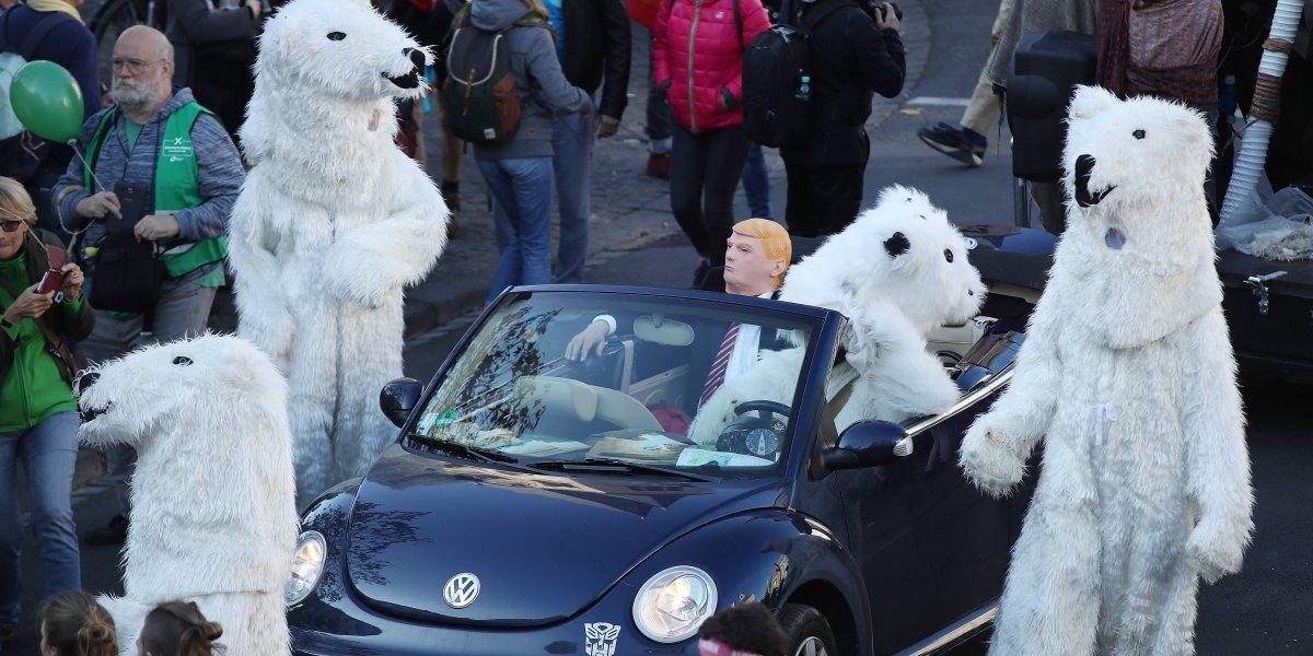 Activistas protestan contra Trump en la COP23
