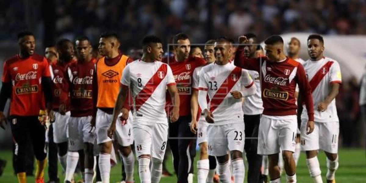 El cántico de los jugadores de Perú que indigna a Chile