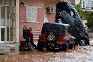 inundacionesgrecia3-2ec2f96ed95799ab9c11d7e0219ab495.jpg