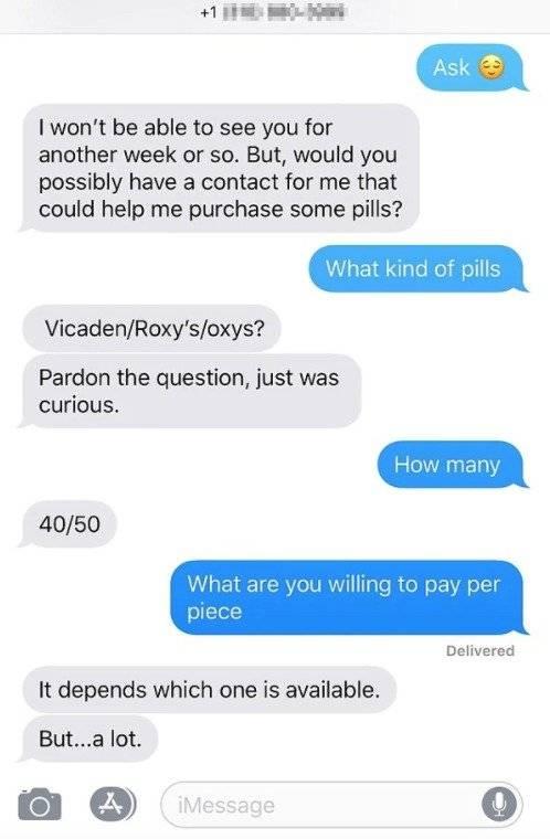 """Infobae Mensajes de Matthew Perry a una actriz porno para que le consiguiera """"40 o 50 píldoras"""""""