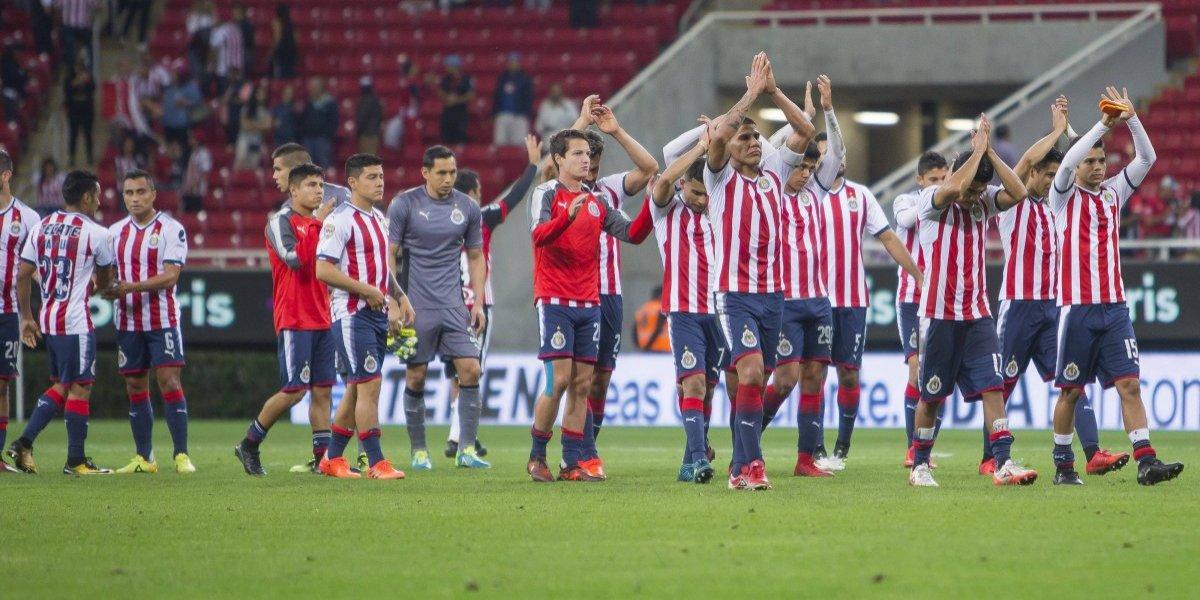 En Chivas reconocen a los jugadores por el campeonato pasado