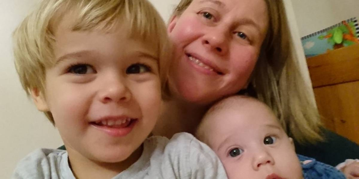 La familia amenazada con ser desalojada de su casa por los llantos de su bebé