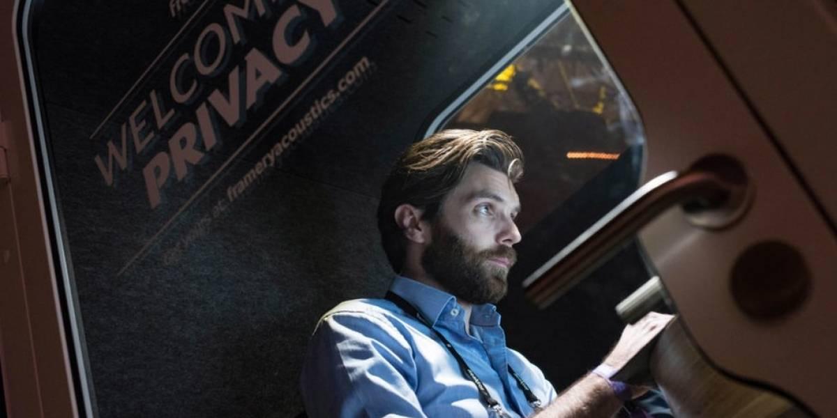 """Aislados y sin ruido: el creciente negocio de las """"cápsulas de privacidad"""" para oficinas"""