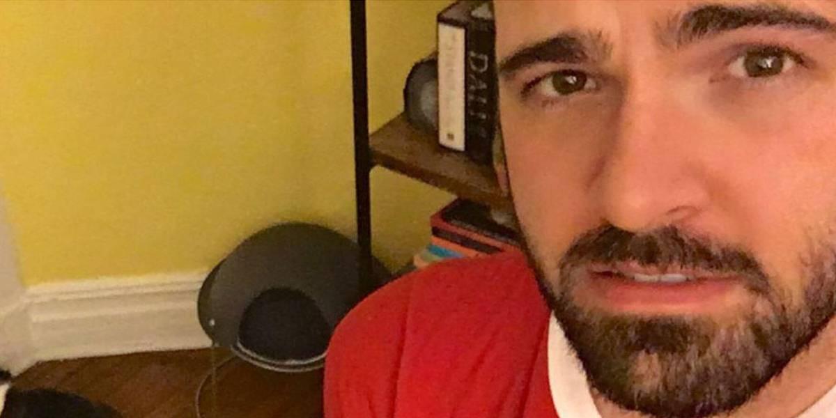 Homem garante que fotografou menino fantasma em sua casa; veja as imagens