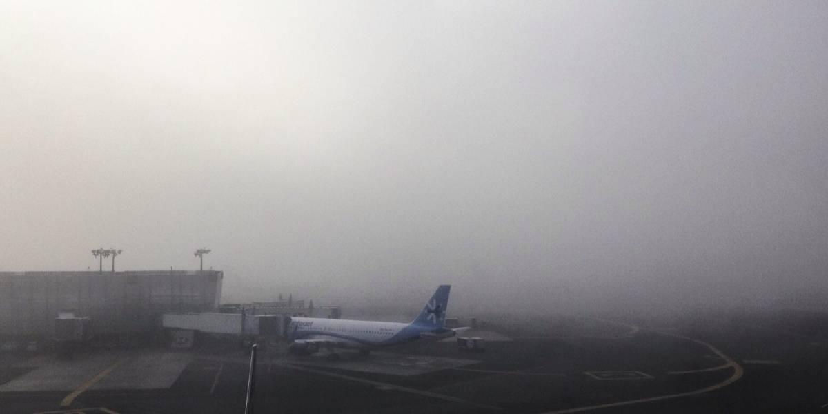 Reinician operaciones en el AICM tras ser suspendidas por banco de niebla