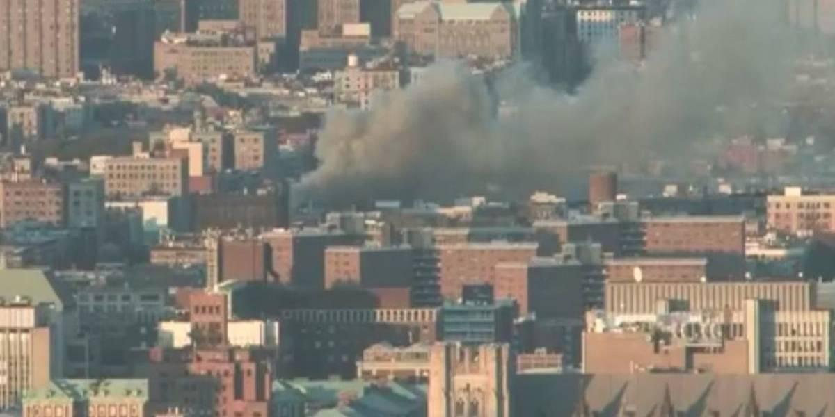 Voraz incendio consume edificio al norte de Nueva York