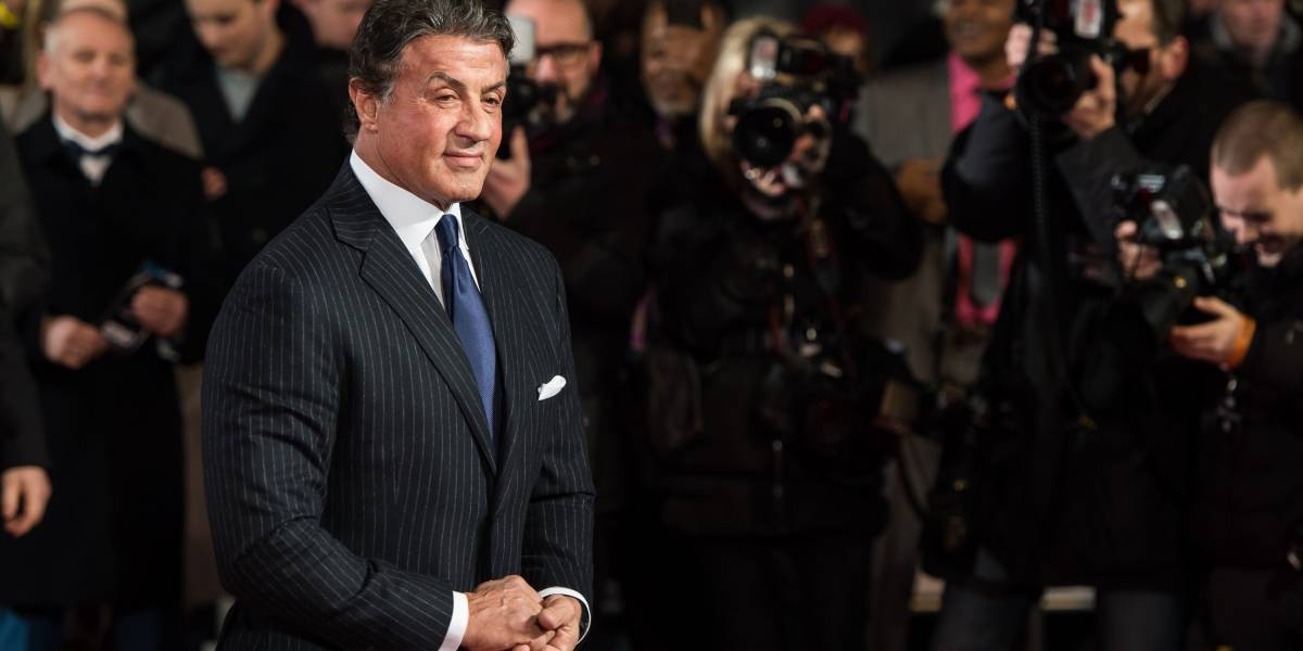 Após acusação de estupro, Stallone tenta provar inocência