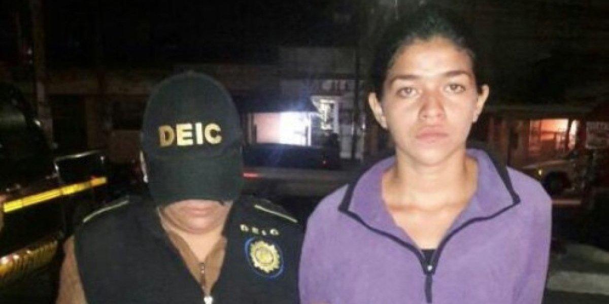 Recuperaba su libertad, y al salir del penal en Quetzaltenango fue notificada de otra orden de captura