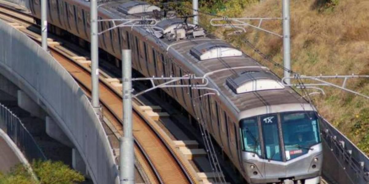 En menos de nueve horas 1.500 trabajadores instalan línea ferroviaria en China