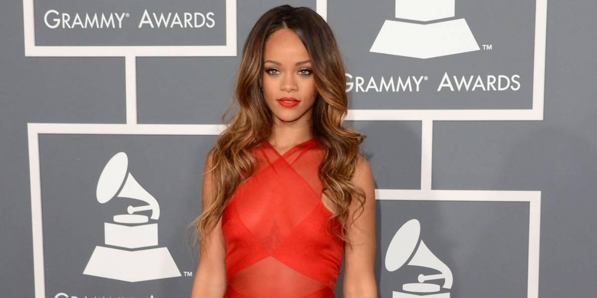 5 formas en la que te puedes maquillar cuando utilizas un vestido rojo