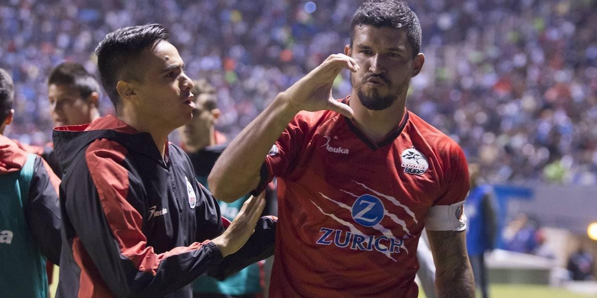 'Maza' Rodríguez da triunfo a Lobos en duelo poblano ante La Franja