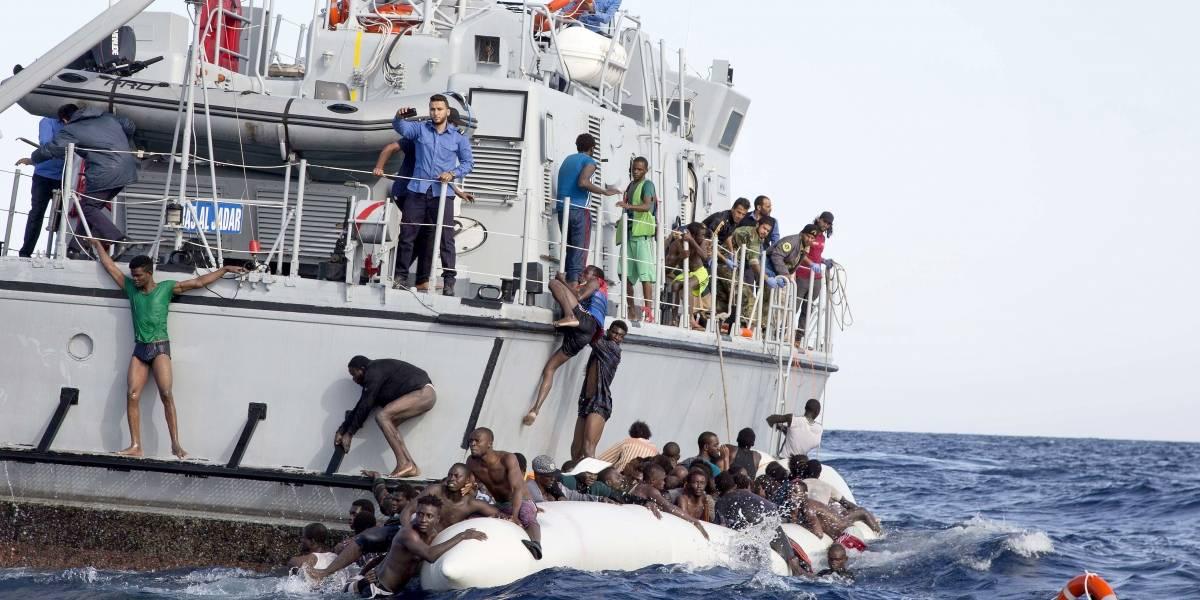 Rescatan a 500 migrantes que trataban de llegar a España