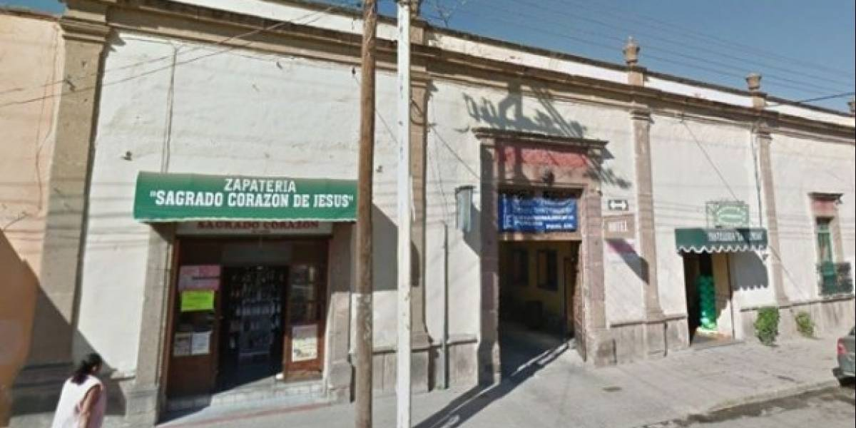 Hallan a niña de cinco años junto a su madre muerta en hotel de Hidalgo