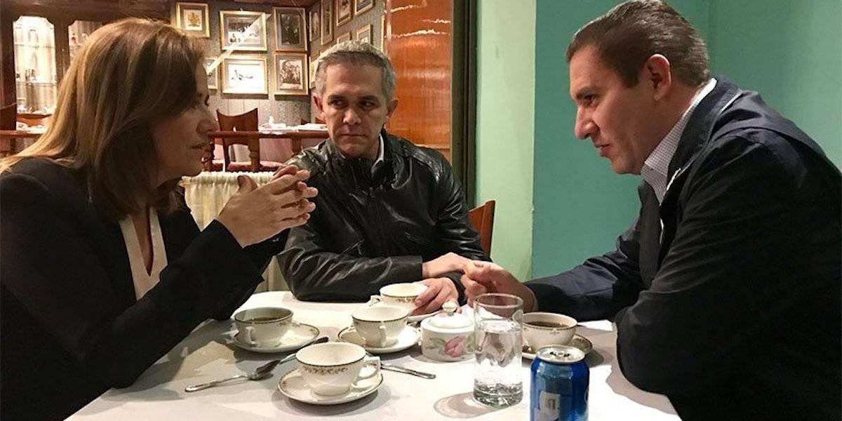 Captan a Zavala con Mancera y Moreno Valle en un restaurante de la CDMX