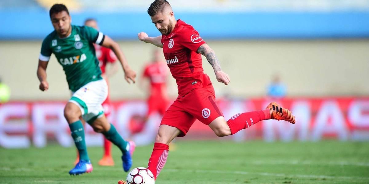 Internacional vence Goiás por 2 a 0 e segue na briga por título da Série B