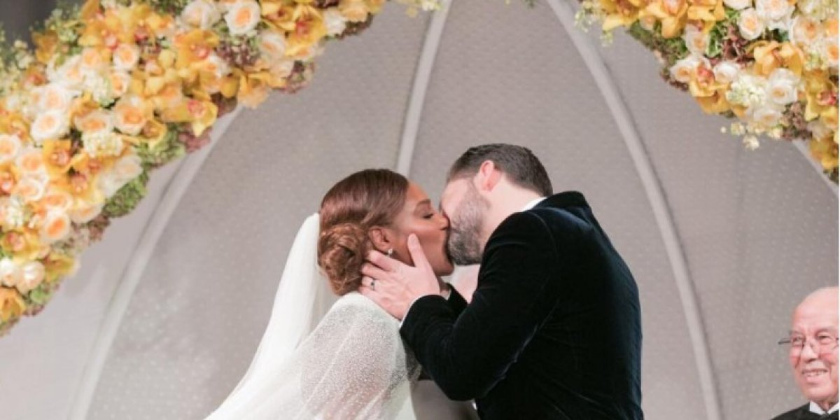 """Serena da el """"sí acepto"""" en una encantadora boda inspirada en La Bella y la Bestia"""